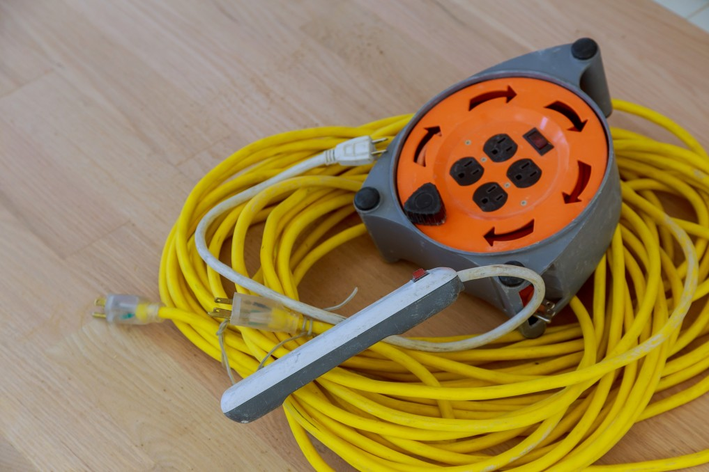 Differences Between Indoor & Outdoor Extension Cords - Brase Electrical
